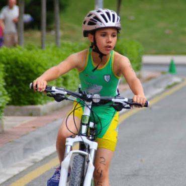 Triatlon infantil, terminar el año con buenos resultados.